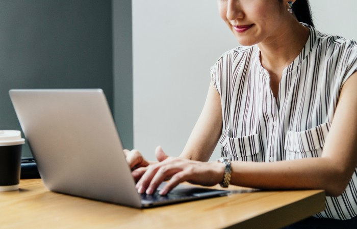 Máš 40+? Dokáž, že ešte nie si na odstrel! Zmeň svoju kariéru – začni v online agentúre – teraz!